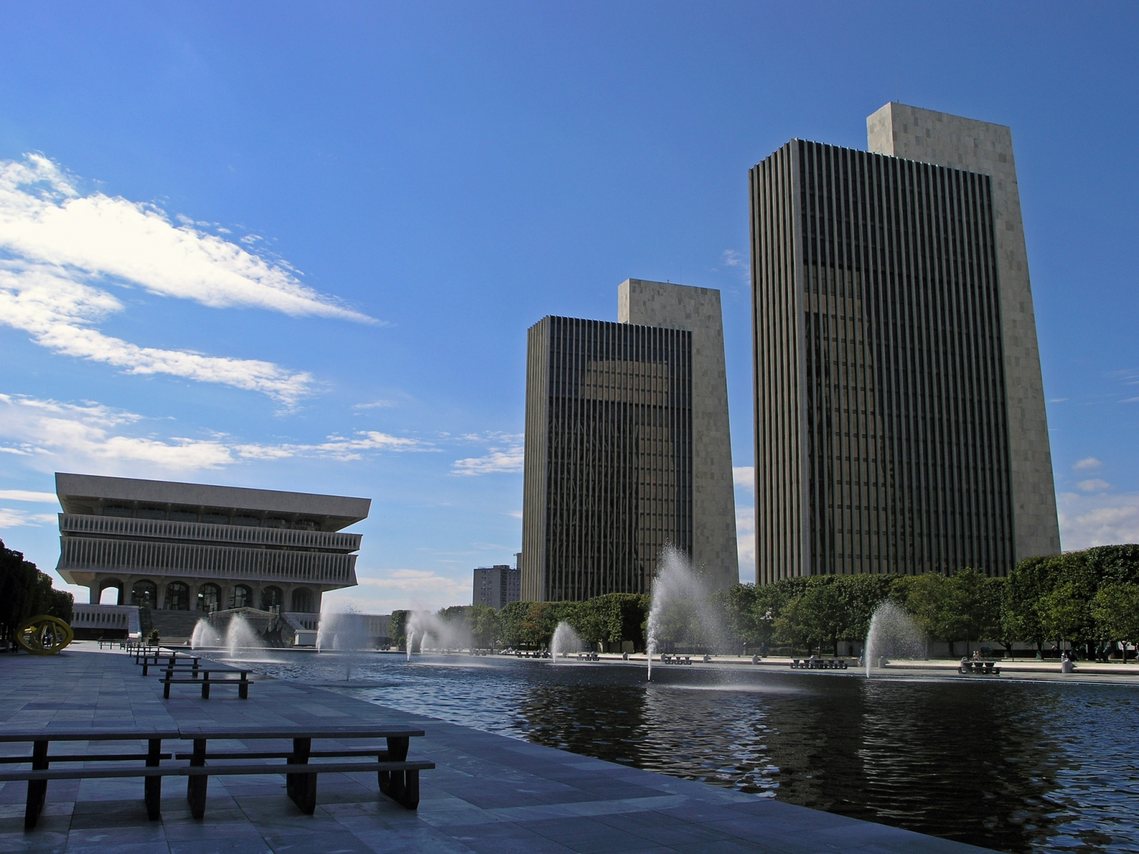 Empire-State-Plaza