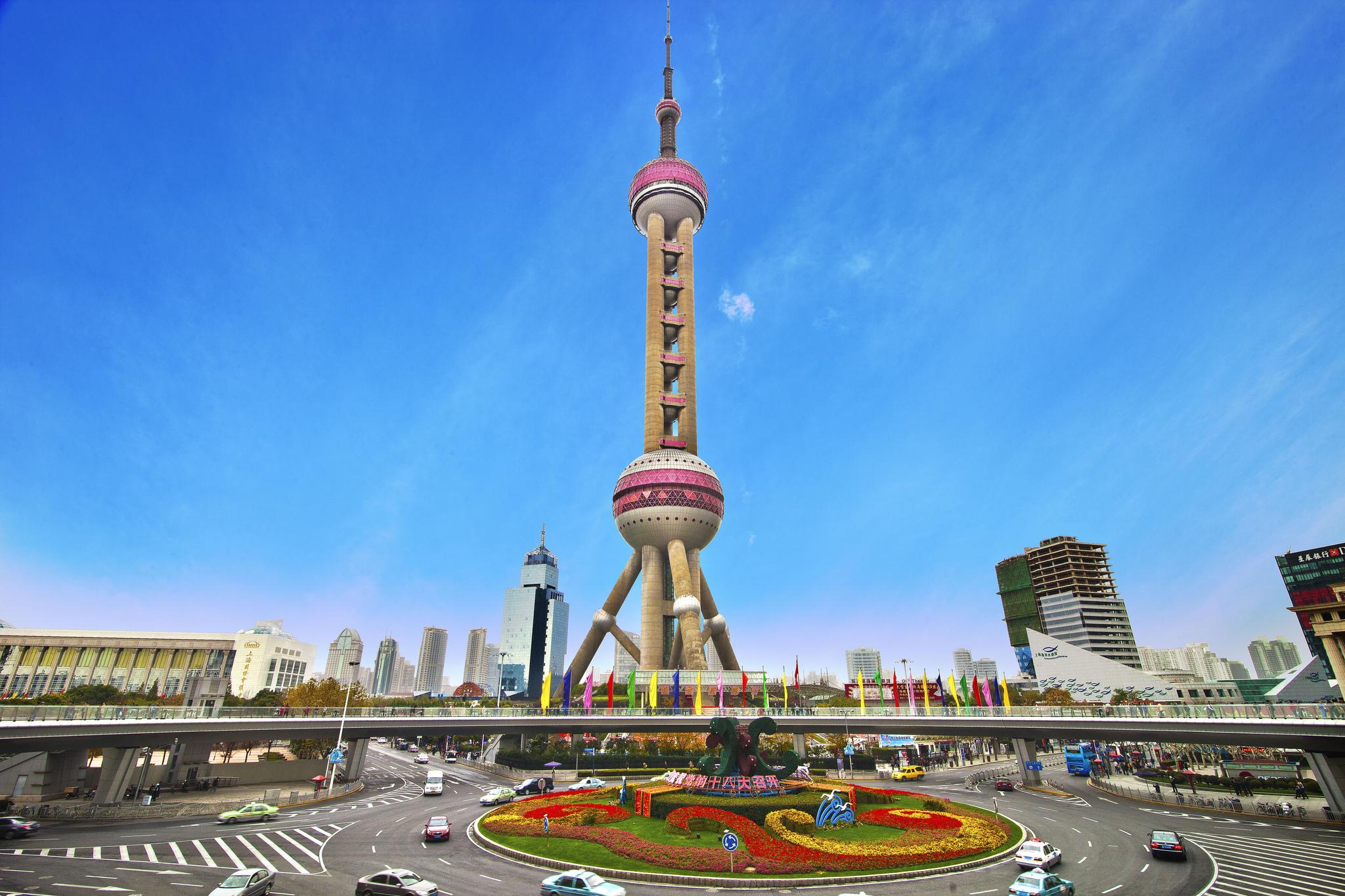 Oriental-Pearl-Tower-in-shanghai