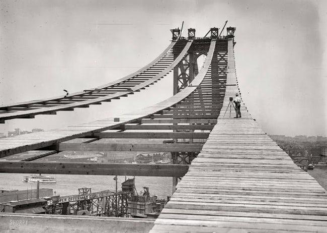 the-manhattan-bridge-being-built-photo
