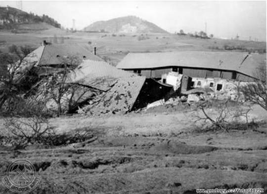 Houses-destroyed-by-the-Handlova-landslide-in-1961