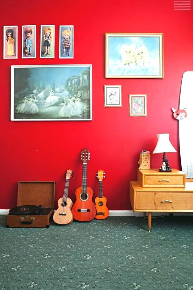parlak-kırmızı-duvar-boyası-img