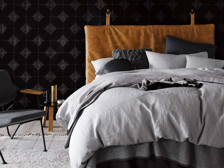 bordür-desenli-siyah-duvar-kağıdı
