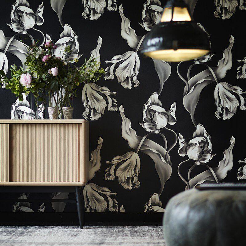 siyah-duvar-kağıdı-çiçekli-model
