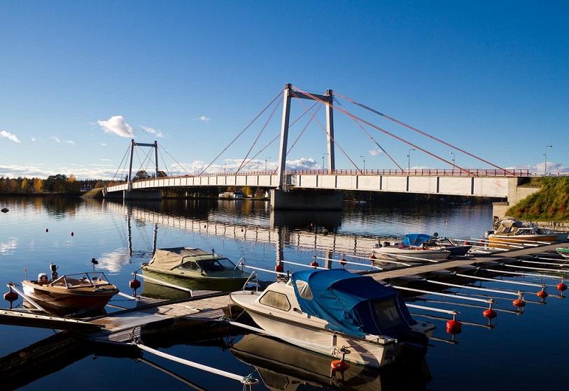 Strömsundsbron-eğik-askı-kablolu-köprü