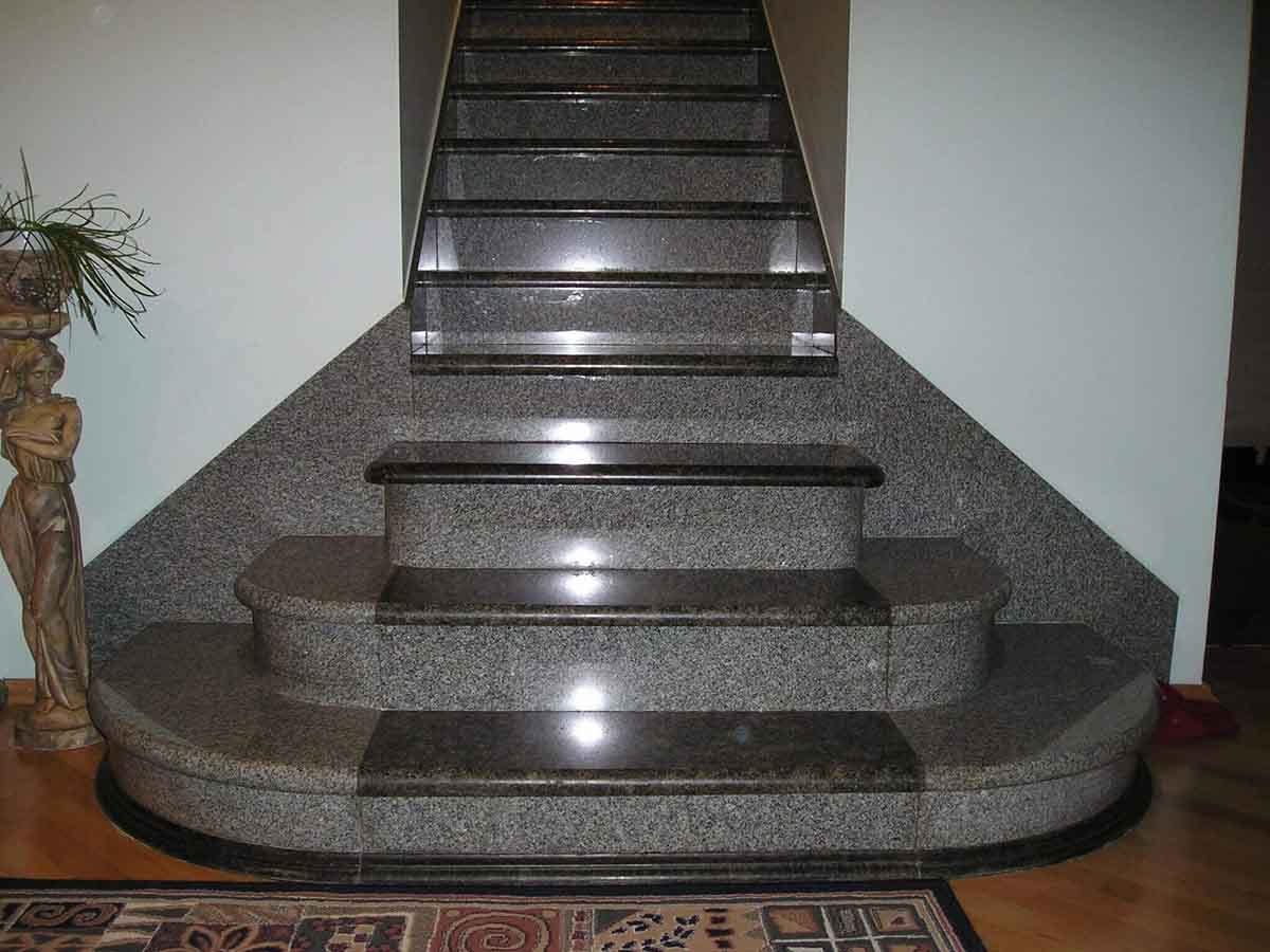 gri-granit-merdiven