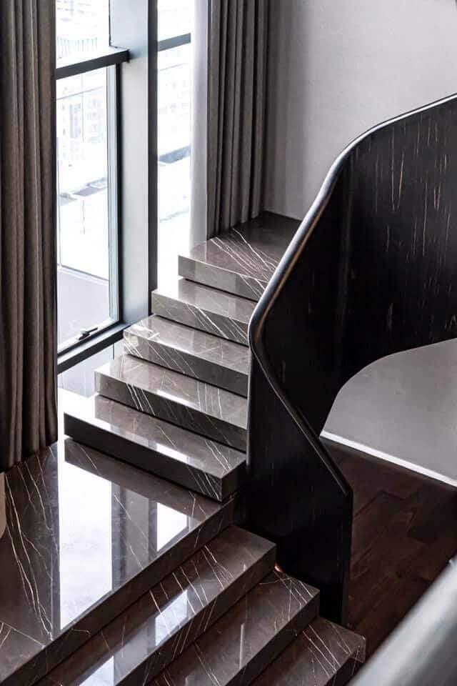 kahverengi-mermer-merdiven