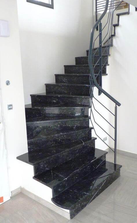 siyah-granit-merdiven