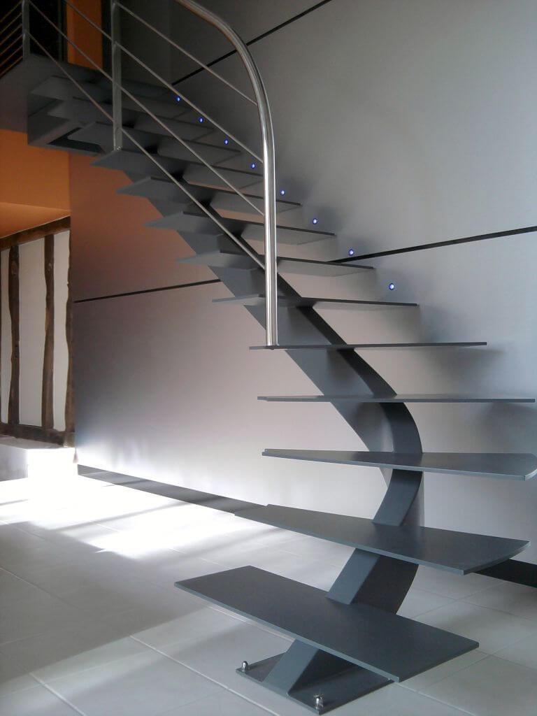 çelik-merdiven