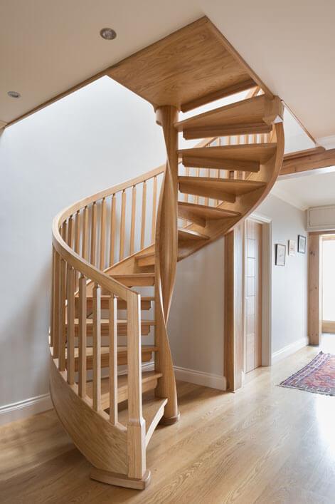 ahşap-döner-merdiven-modeli