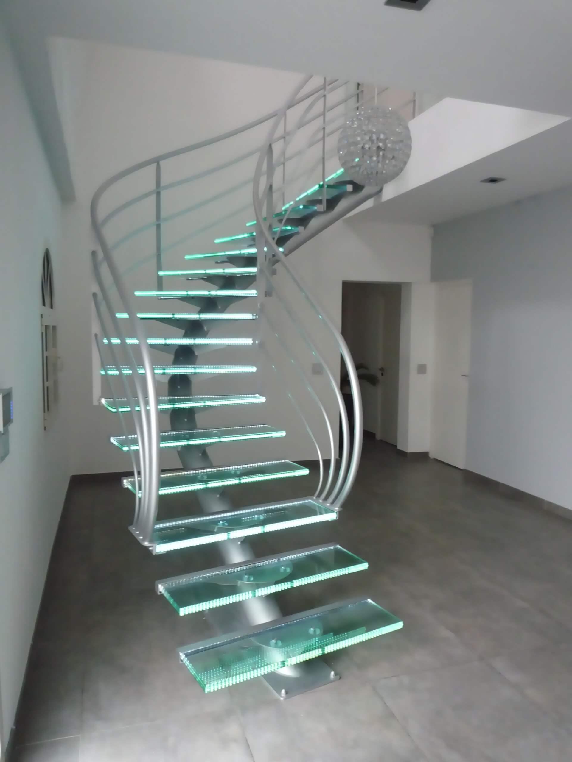 cam-merdiven
