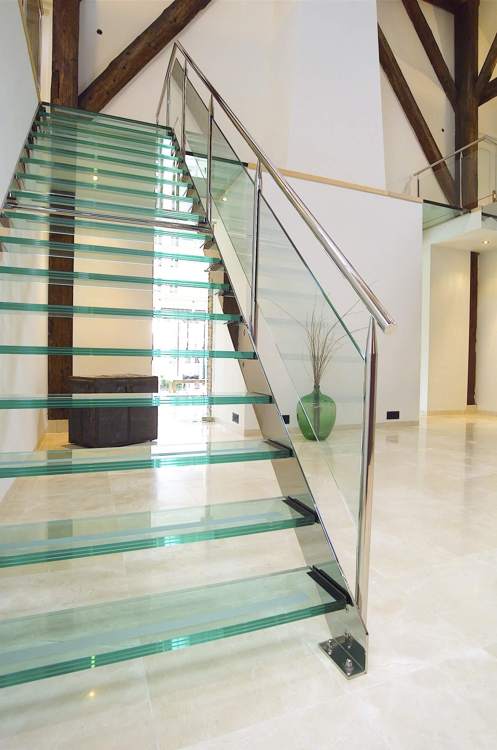 camlı-dubleks-merdiveni