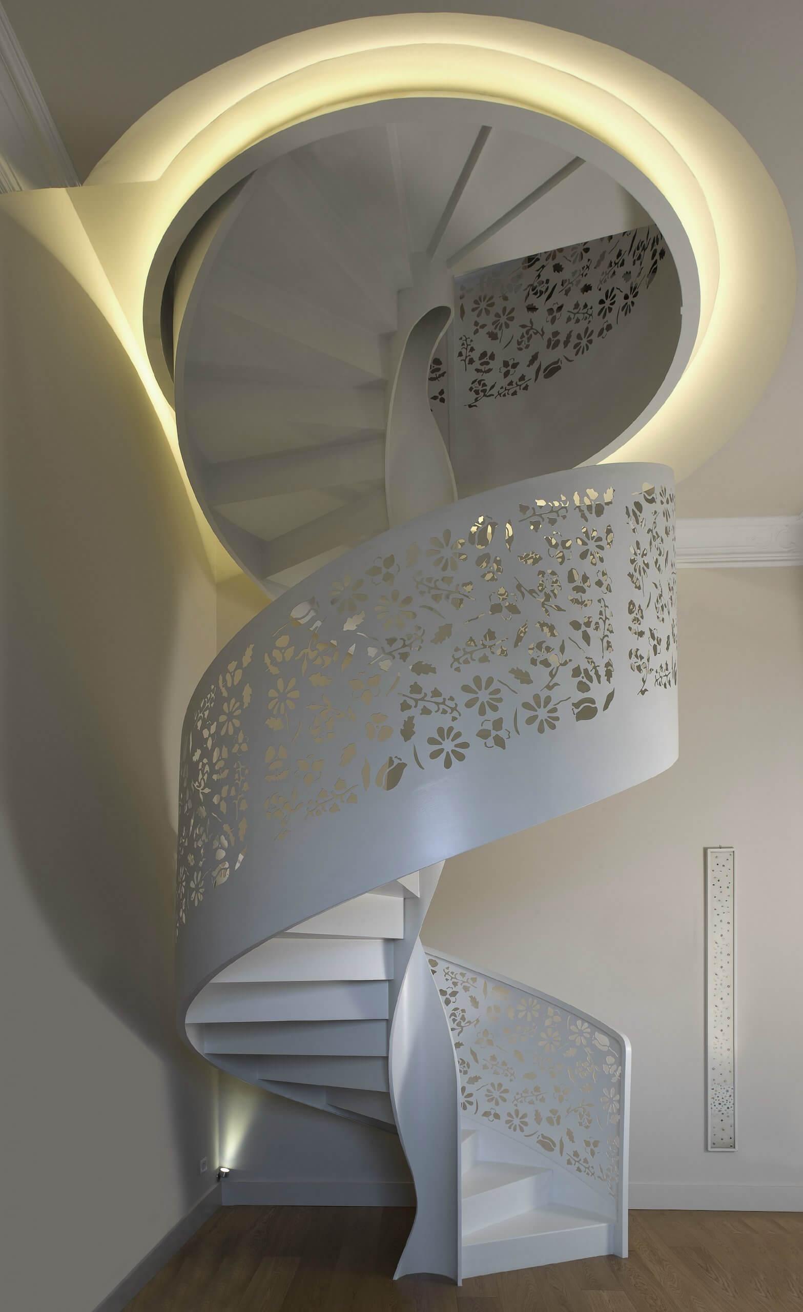 döner-merdiven-ve-korkuluk