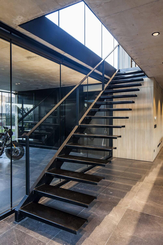 demir-basamaklı-merdiven