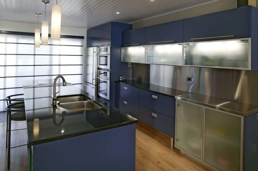 ada-mutfak-modeli-koyu-renk