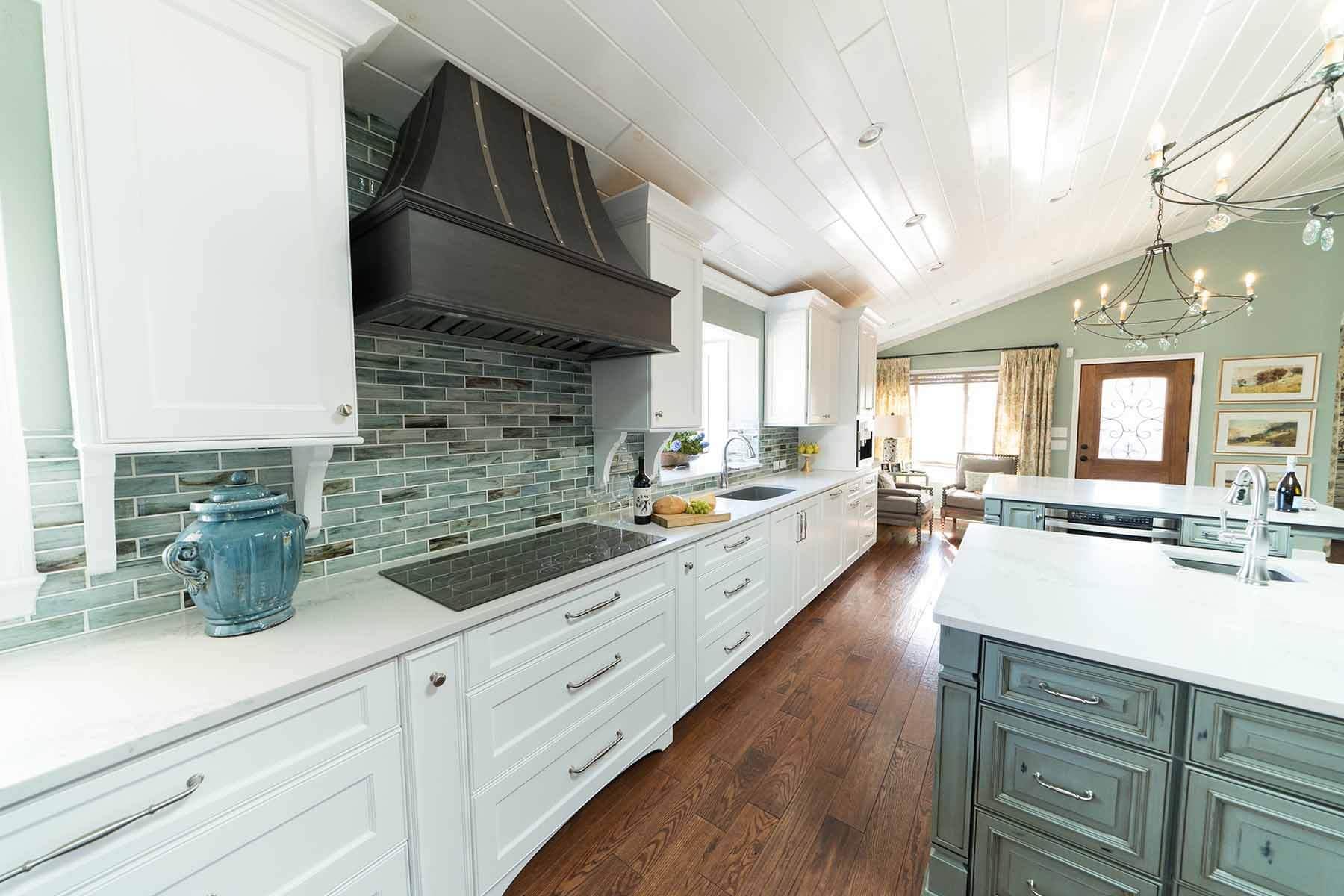 beyaz-mutfak-dolabi-modeli-ada