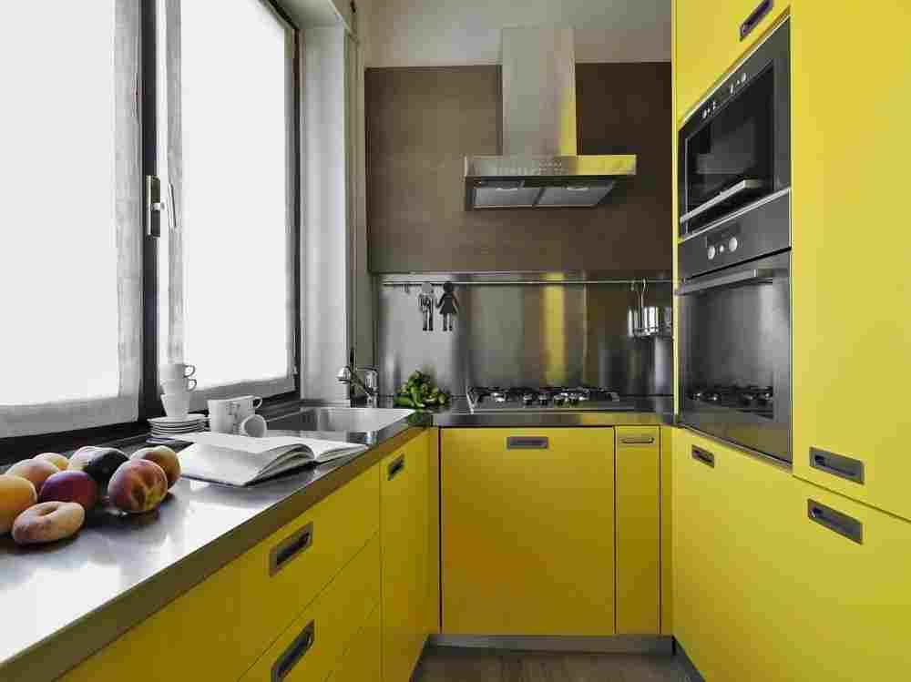 dar-mutfak-için-modern-renkli-mutfak-dolabi