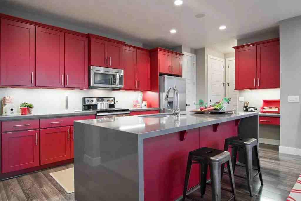 kırmızı-ada-mutfak-dolabi-modeli