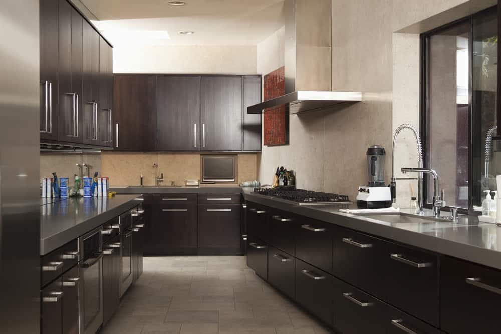 koyu-renk-siyah--modüler-mutfak-dolabi-