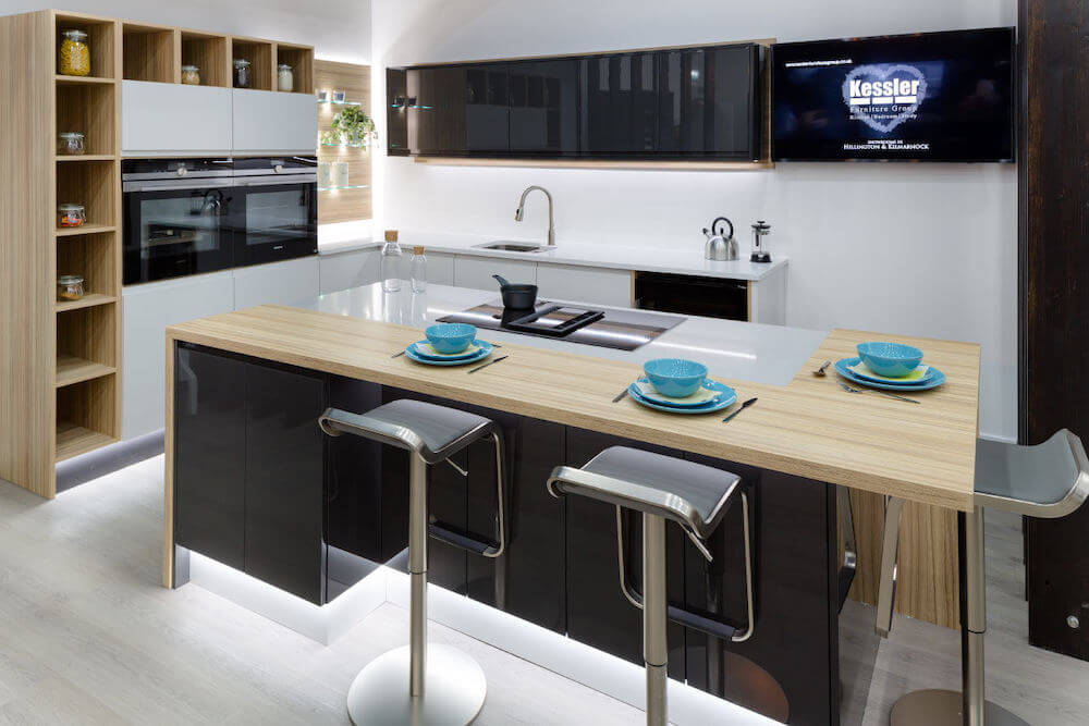 lake-siyah-beyaz-mutfak-dolabi-ada