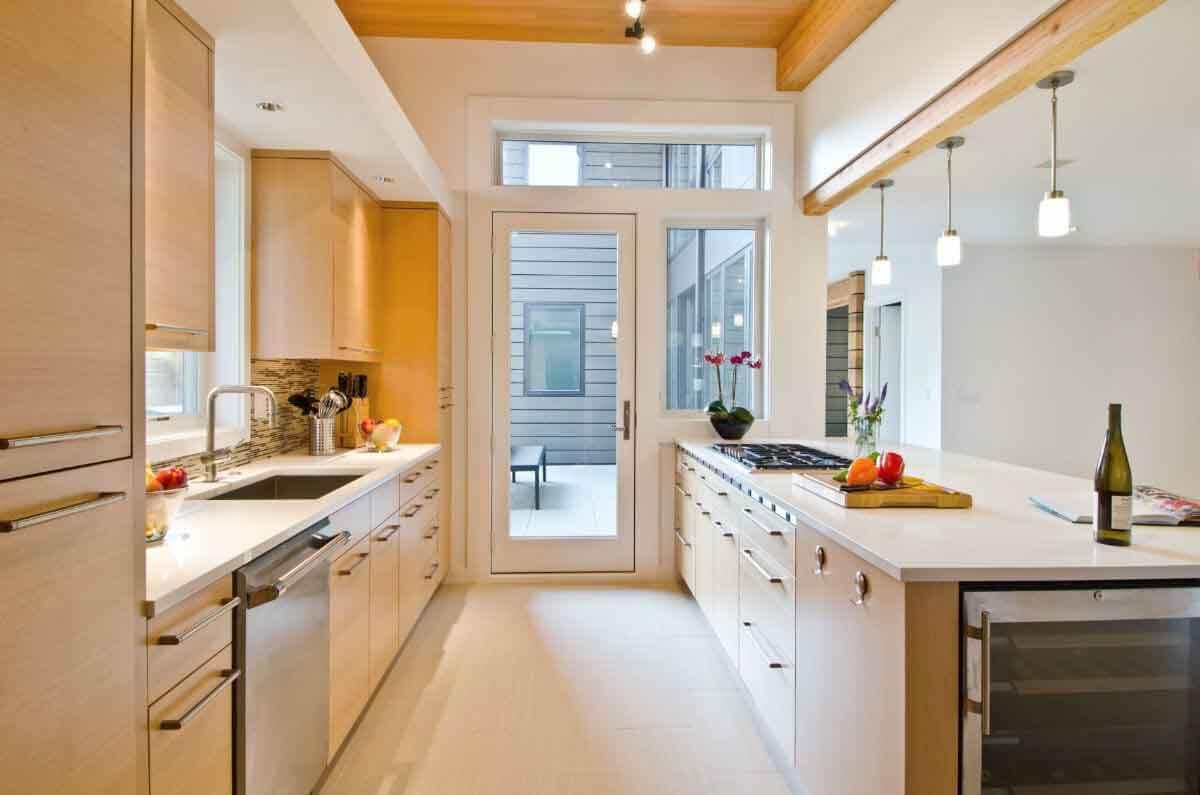 mutfak-dolabi-modeli-açık-renk-ahşap