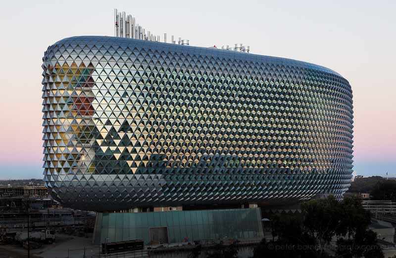 South Australian Health and Medical Research Institute (SAHMRI), Adelaide, Australia, 2013, by Woods Bagot.