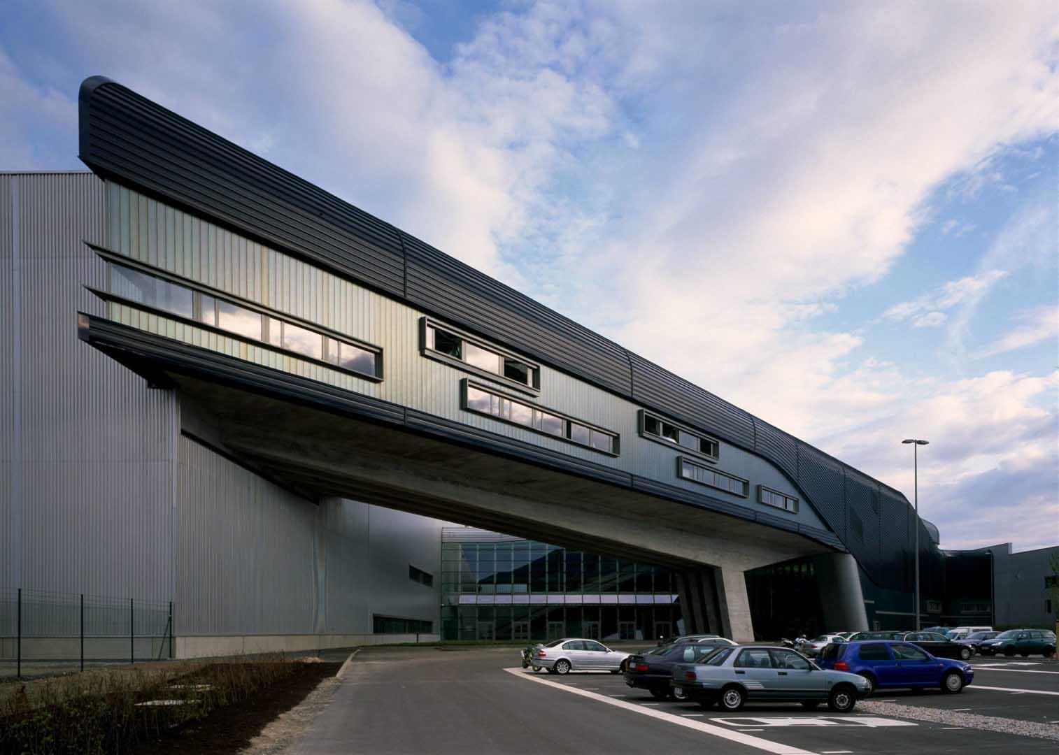 BMW Merkez Binası - Zaha Hadid